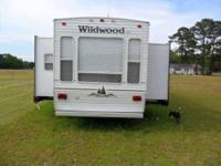 2004 Forest River Wildwood in Excellent Condition No