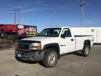 Come see this 2004 GMC Sierra 2500HD Work Truck. Its