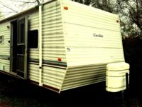 2004 Gulfstream Cavalier Travel Trailer/Camper -