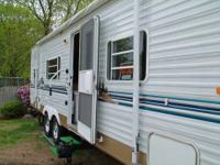 PRICE REDUCED - MUST SELL 27.5 ft Travel Trailer -