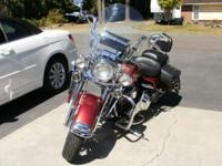 2004 Road king Classic , has custom red paint 014,233