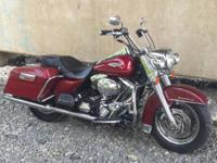 2004 Harley Davidson FLHRI Road King. Nice looking,