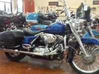 This is a nice 2004 Harley Davidson Road King Custom