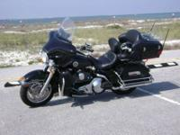 Up for sale is a gorgeous 2004 Harley-Davidson Ultra