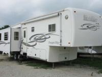 2004 HitchHiker 33.5CK Another great Fifth wheel for
