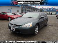Exterior Color: deep green pearl, Body: 4 Dr Sedan,