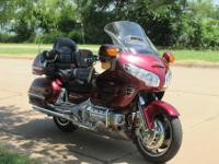 2004 Honda Goldwing GL 1800: Unbelievable touring and