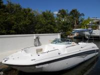 This 2004 Hurricane 260 SD has a fantastic layout and
