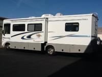 2004 Itasca Sunova M-30B. This Class A Recreational