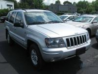 PowerTech 4.7L V8|AWD!|CLEAN CARFAX!|LEATHER!|ONLY 59K