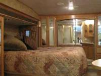 2004 Keystone Everest Fifth wheel Camper. 323 P, Lots