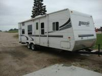 2004 KEYSTONE HORNET SPORT  MODEL 27BS TRAVEL TRAILER