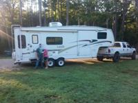 2004 Keystone Laredo 5th Wheel (with Gooseneck