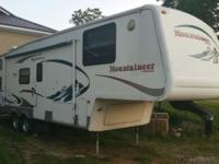 RV CAMPER TRAVEL TRAILER, 5th Wheel: Double Slide, Rear