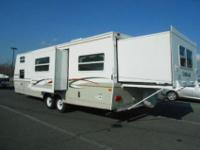 2004 Outback 28RS Recreational Vehicle. This 2004