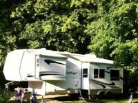 2004 Keystone RV Challenger M-29RKP. Adult owned- 2