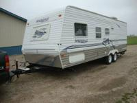 2004 KEYSTONE SPRINGDALE TRAVEL TRAILER   26 FEET IN