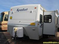2004 Komfort Travel Trailer 25ft. w/ 1-Power Slide,It