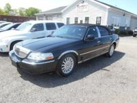 2004 Lincoln Town Car Ultimate V-8 Engine Automatic