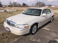 2004 Lincoln Town Car Ultimate/Gold Edition Limited