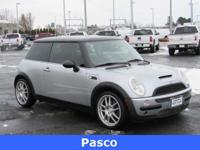 Options:  2004 Mini Cooper Base|***Am/Fm/Cd Disc