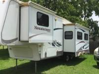 2004 mountaineer by Montana 29ft fifth wheel travel