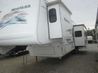 Sofa/Dinette Slide. 2004 Montana Mountaineer 318 BHS 34