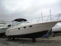 2004 Monterey 322 Value-priced sportcruiser matched