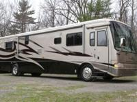 2004 Hill Aire 40' model 4018 in EXCELLENT state. No