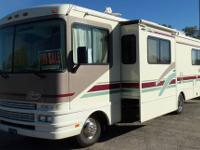 RV Type: Class A Year: 2004 Make: National Model: Sea