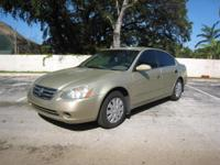 2004 NISSAN ALTIMA.CLEAN TITLE AND CARFAX.LOADED WITH