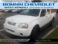Options:  2004 Nissan Frontier Xe|White|2004 Nissan