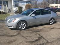 Options:  2004 Nissan Maxima Se|Silver|Moon