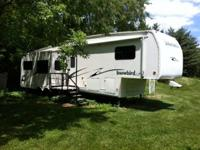 2004 Nu Wa Snowbird LS M34.5RLTG. Enjoy the RV life