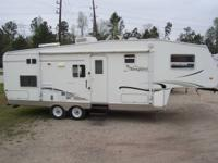 2004 Palomino Thoroughbred Fifth Wheel 29Ft With Super