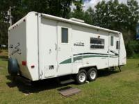 2004 Palomino Thoroughbred T-25FBSL 25Ft Travel