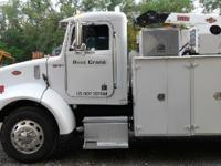 2004 PETERBILT 330, Engine: 250 hp, 297,380 miles,