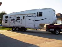 RV Type: Fifth Wheel Year: 2004 Make: Pilgrim