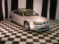 This 2004 Pontiac Grand Am 2dr GT Coupe features a 3.4L