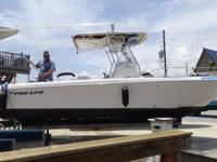 - Stock #080277 - This boat is in beautiful condition,