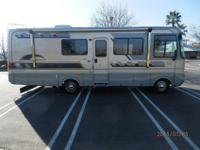 2004 Safari Trek, RB2, very clean unit, everything