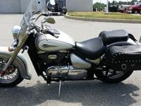 This 2004 Suzuki Volusia is a shaft driven,