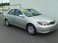 2004 TOYOTA CAMRY SE!! THIS CAR HAS HAIL DAMAGE. ALLOY