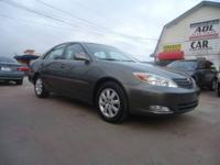 2004 TOYOTA CAMRY XLE IN EXCELLENT CONDITION. LOADED