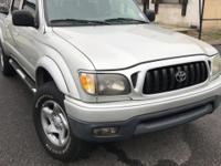 2004 Toyota Tacoma V6 RECENT TRADE IN, 4WD.  COLONIAL