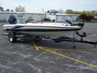 ABSOLUTELY BEATIFUL 2004 triton TR-186 bass boat,18ft 6