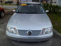 2004 VOLKSWAGEN JETTA,ONE OWNER CLEAN CAR FAX NEVER