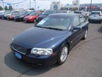 S80 trim. Leather Seats, Sunroof, CD Player, Dual Zone