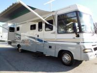 2004 Winnebago Adventurer 33V with 2 Slide-outs GM 8.1