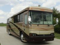 Beautiful 2004 Bluebird Wanderlodge M380 motorhome.